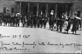 1925. Nel piazzale del Kursaal un convegno di boy-scout.