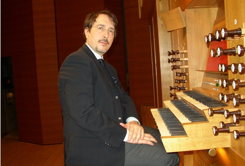 Maestro Andrea Macinanti