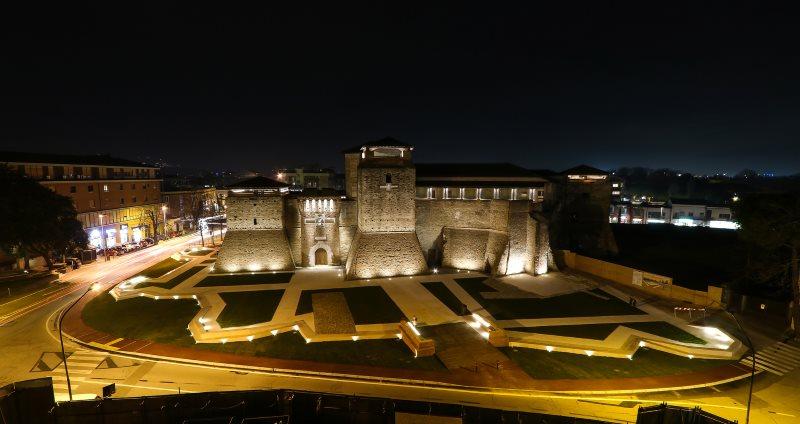 Sismondo Castel and the new court