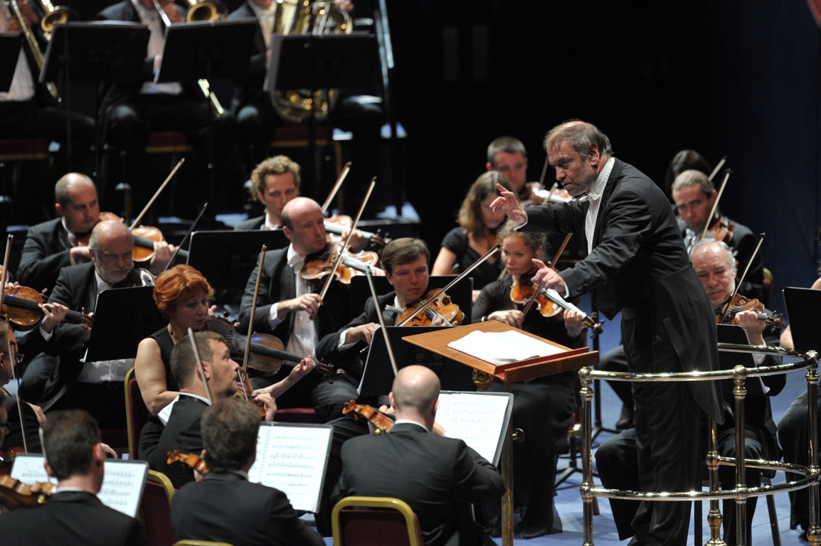 Valery Gergiev con l'Orchestra Mariinskij