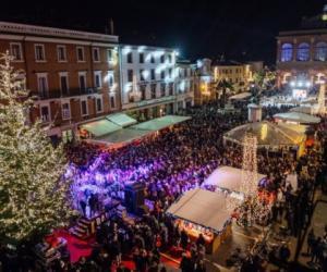 Piazza Cavour in festa