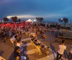 Evening of entertainment on the beach promenade