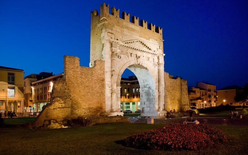 Rimini, Arco d'Augusto