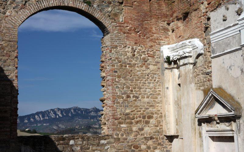 Trarivi -  Oriental Gothic Line Museum - Church of Peace